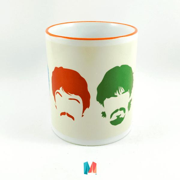 Musica, mug personalizado con siluestas de the beatles