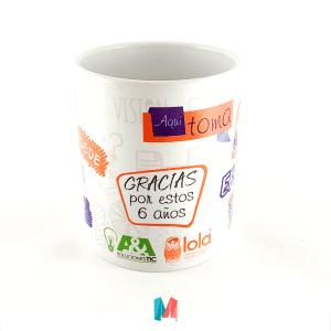 Marca, mug personalizado con frase y logo de Lola